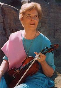 Концерт скрипачки и целителя звуком и цветом Дайян Бут