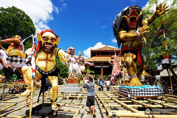 Индонезия. Парад Ого-Ого
